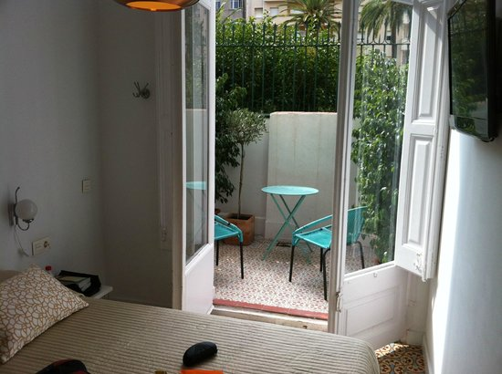 Retrome Barcelona: The small double room - more than enough!