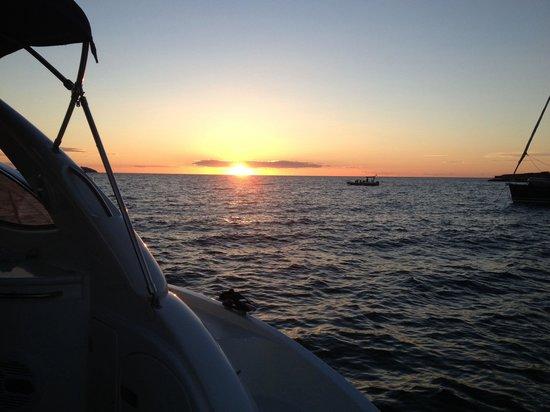 Aqua Marine Boat Charters: Sunset from the sunseeker