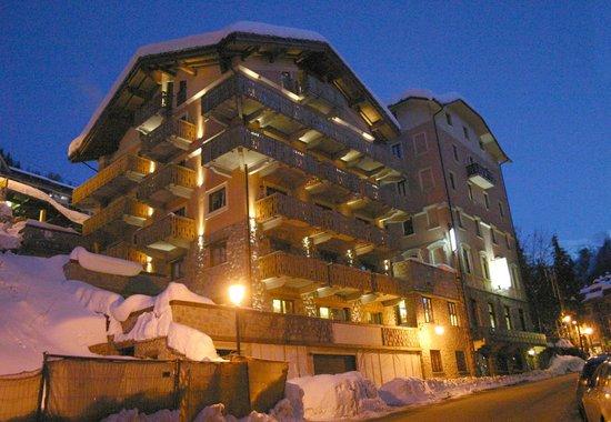 Limone Palace Aparthotel : Esterno