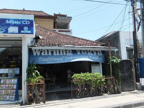 Warung Yogya : 外観