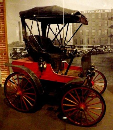 Missouri History Museum : Moon Motor Car