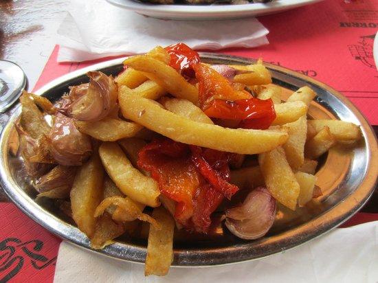 Ca'n Torrat: Chips/garlic & paprika