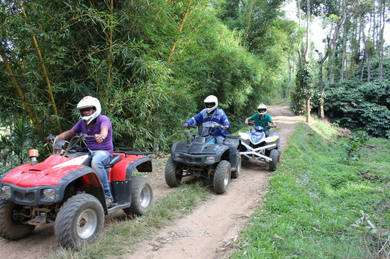 Kodagu (Coorg), Indien: Quad Biking at Juegos Adventure in coorg