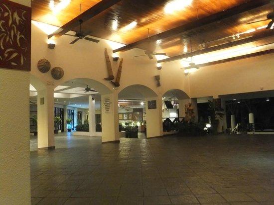 Sabah Hotel Sandakan: Entrance to the hotel