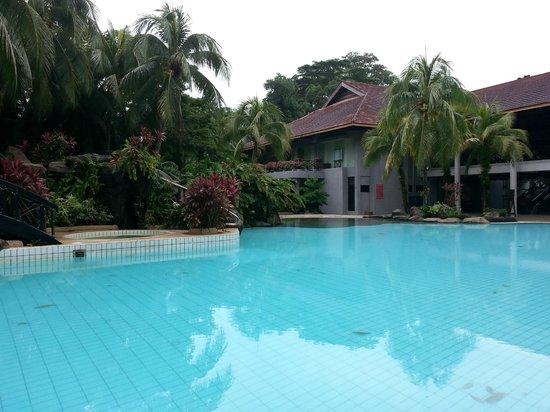 Sabah Hotel Sandakan: View of pool