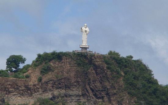 San Juan del Sur Beach: Close up of the Redeemer Statue
