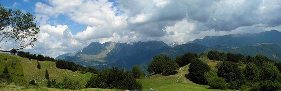Albergo Diffuso Valli del Natisone : Aussicht vom Kolovrat nach Norden