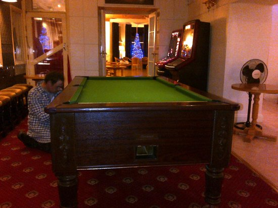 The Belgrave Hotel: snooker area