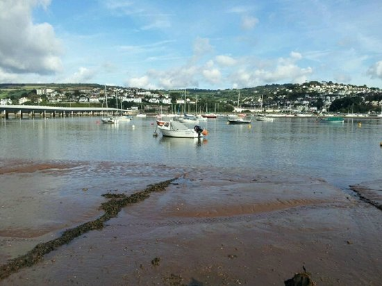 Potters Mooring Hotel: Estuary between Shaldon and Teignmouth