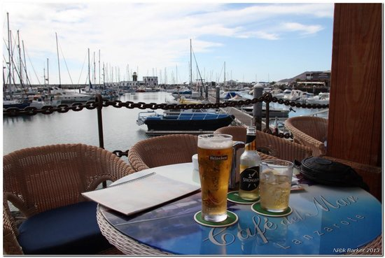 Cafe Del Mar: Relaxing in the sunshine