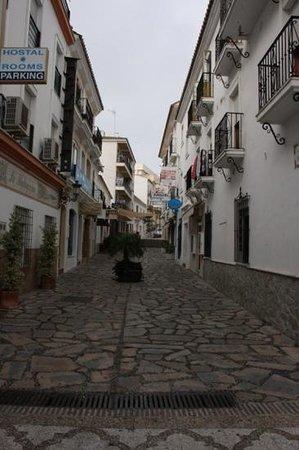 Hostal El Pilar : zij straat , op een fantastiche locatie.