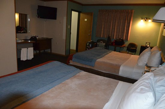 Canadas Best Value Inn: chambre double
