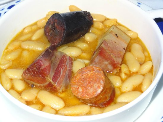 Casa Consuelo : Fabada con los sabores recios del pasado astur