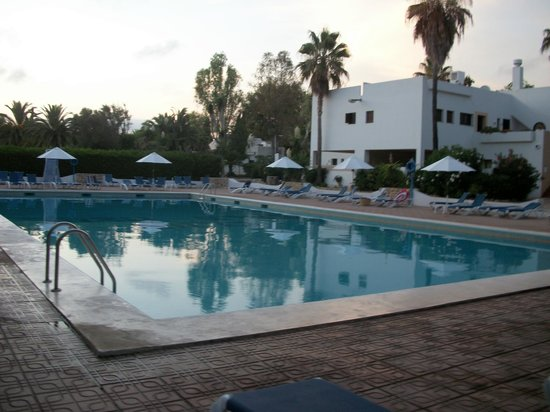 Club Cala Azul : la piscina del villaggio
