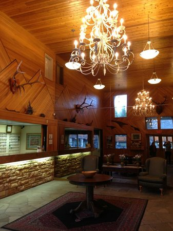 Mountaineer Lodge: Lobby