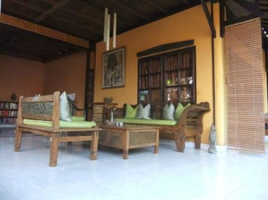 Guci Guesthouses: The reception area