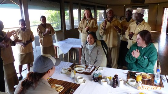 Lemala Kuria Hills Lodge: Being serenaded for my birthday