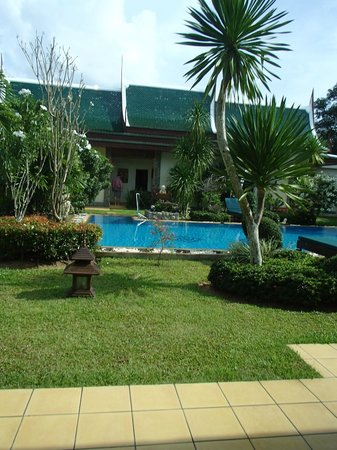 Baan Malinee Bed and Breakfast: Pool