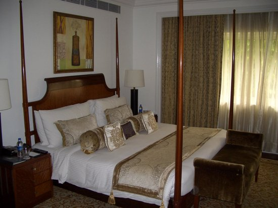 The Claridges New Delhi: Upgraded to a suite!!
