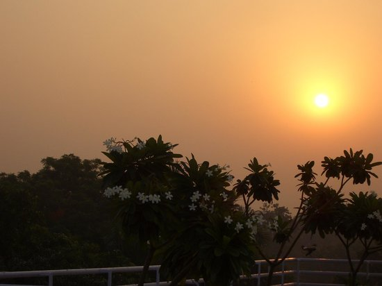 The Claridges New Delhi: sunrise over Delhi