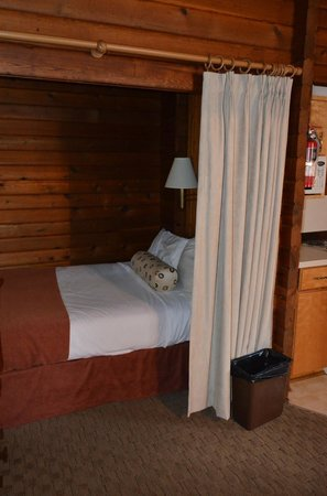 Jasper House Bungalows: chambre 2