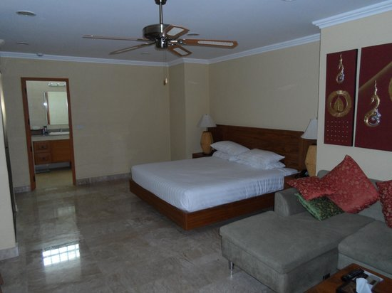 Baan Souy: My spacious and clean room