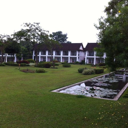 The Grand Luang Prabang Hotel & Resort : Hotel Rooms & Gardens