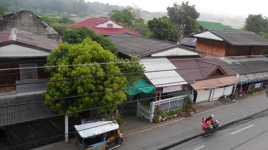 The Residence @ Mae Hong Son : Street view from window