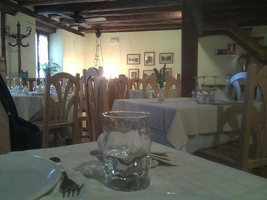 Bar- Restaurante La Panaderia : sala restaurante