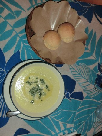 Blu d'aMare: Vegetables soup with homemade bread