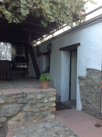 Casas de Almajar: The entrance and private terrace with bbq