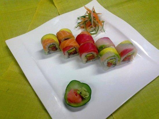Genki Sushi & Deli: Rainbow Roll