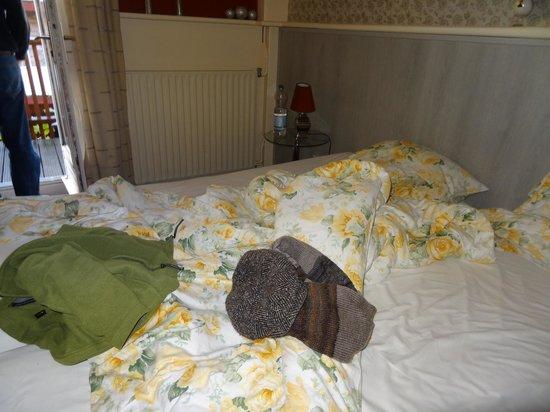 Hotel Nehalennia: Bett