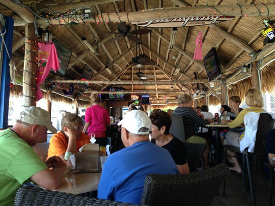 Dolphin Tiki Bar & Grill: Open Air Hut, Very Nice
