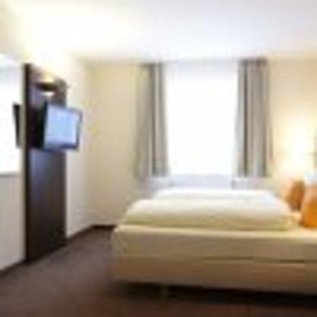 Hotel Restaurant Sonneneck: Traumhaft sind unsere komfortablen Zimmer, welche alle mit Dusche/WC, Föhn und Fernseher ausgest