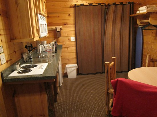 Bryce Canyon Country Cabins : cucina