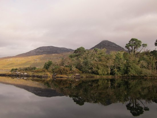 Ballynahinch Castle Hotel: Lake Trail