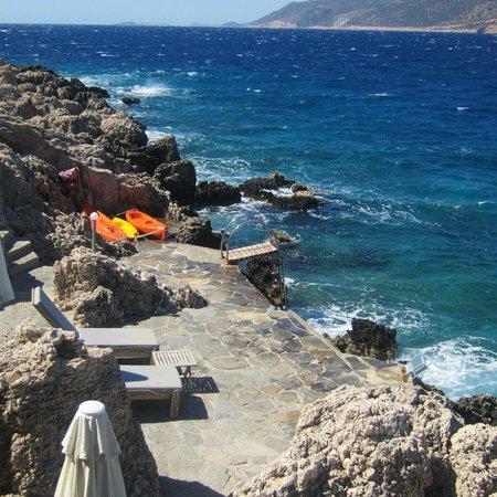 Deniz Feneri Lighthouse : Th ebathing platform