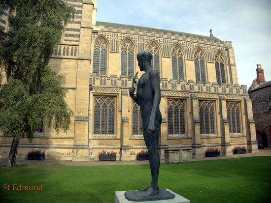 The Abbey: St/King Edmund