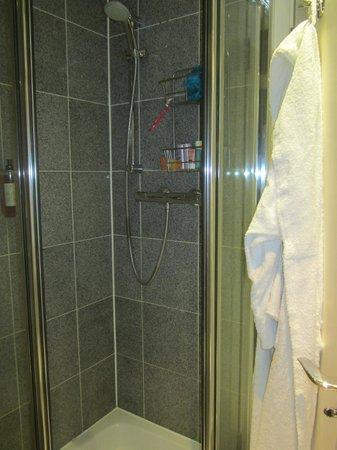 196 Bishopsgate : Standing shower - excellent water pressure