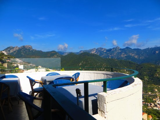 Graal Hotel Ravello: Balcony view from the hotel restaurant