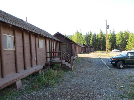Lake Lodge Cabins: Frontier Cabins - extérieur