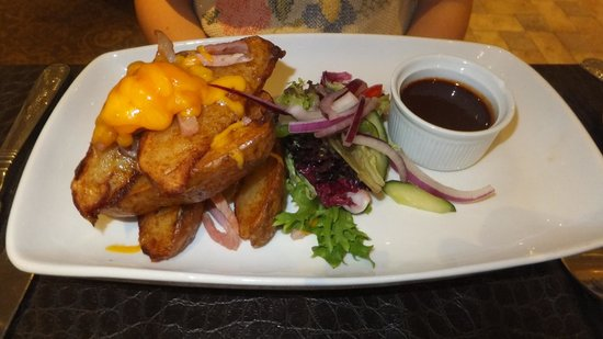 The Manor House Hotel: Potato wedges