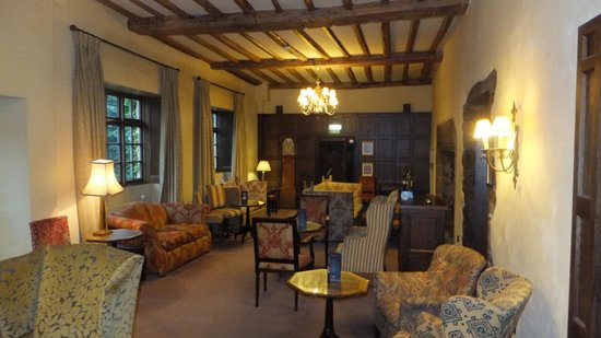 The Manor House Hotel: Lounge