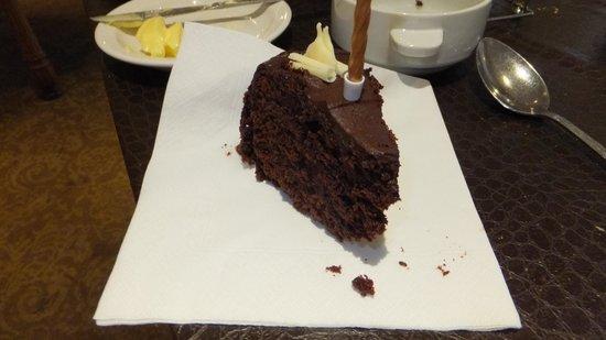The Manor House Hotel: Birthday cake