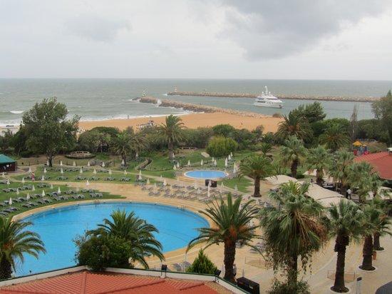 Tivoli Marina Vilamoura : View from room of sea and pool area