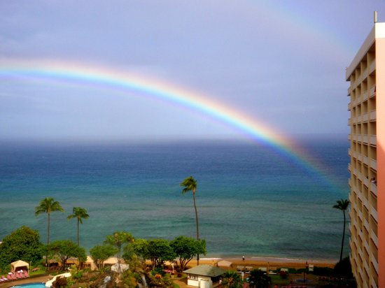 Ka'anapali Beach Club: Rainbow from our room!