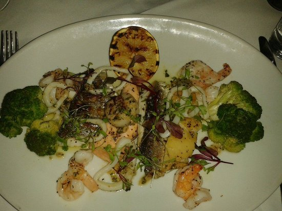 Bella Roma: Mixed grill of fish, amazing!