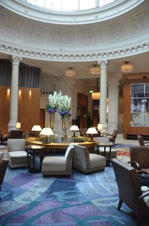 Threadneedles, Autograph Collection: Beautiful domed lobby