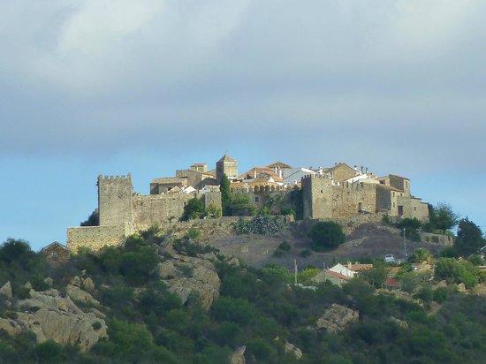 Complejo Turistico Castillo Castellar: pueblo fortificado